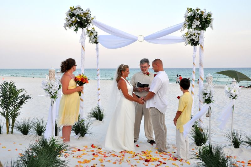 Destin beach weddings with a bride and groom are romantic and can be the